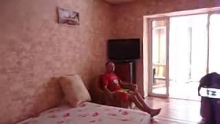 видео Крым, новый свет, Шаляпина 16, гостевой дом, двухкомнатный номер с видом на море