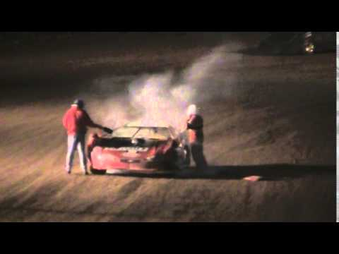 bug day clinton county speedway 5-9-2014 fire