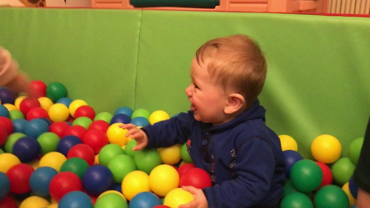 малыш счастливый фото