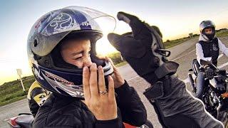 Прокатил девушку на мотоцикле - 190 км\ч на заднем колесе