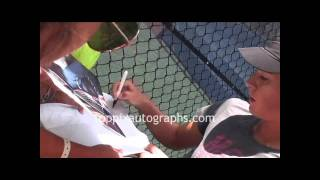 Maria Sharapova - Signing Autographs at the 2011 U.S. Open in Flushing Meadows