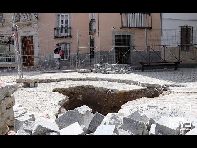 VÍDEO: Comienzan las obras para la instalación del Monumento a la Santería en la calle Flores