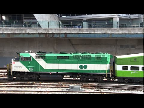 Trains of Canada: Railfanning Toronto Union Station