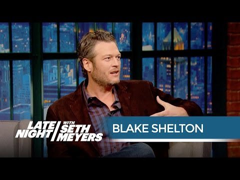 Blake Shelton on Working with Rihanna on The Voice - Late Night with Seth Meyers