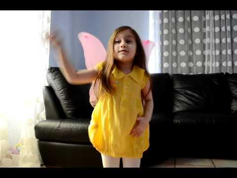 Camilla ThyThy: Kìa con bướm vàng