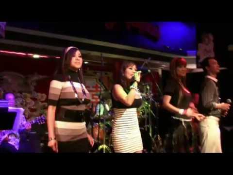 Darany fast song on classic 'Enah Toev Sneh Kjom ?' at Hat Heang Restauant