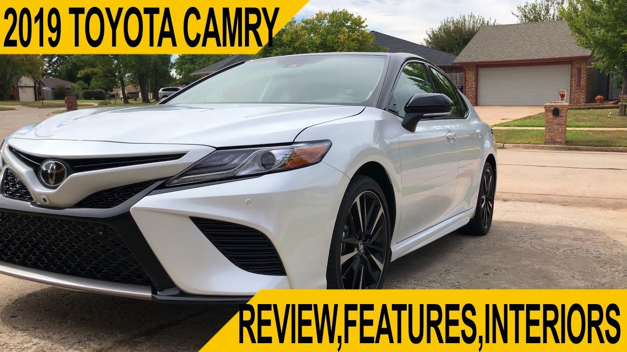 2019 Toyota Camry Review | Hindi