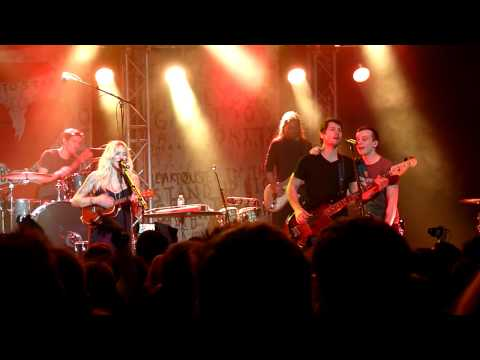 Walk Off The Earth - Summer Vibe (Live in...