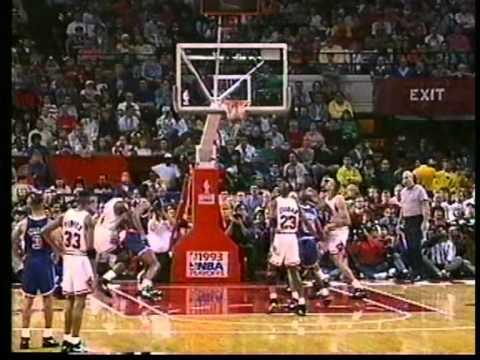 2cbb8e14bd86 Michael Jordan Full Highlights 1993 Finals G4 vs Suns - UNREAL 55 ...