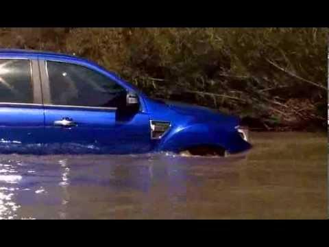 Ford Ranger lội nước tốt liên hệ 0963 830 290