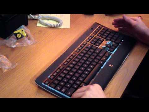 Logitech Wireless Illuminated Keyboard K800 Unboxing