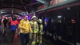 Haramidere metrobüs durağında kaza