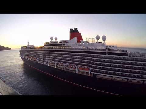 Cruiseship Queen Elizabeth  in  Funchal  (Madeira)  31.12.2017