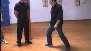 Джит Кун До, Томми Карузерс