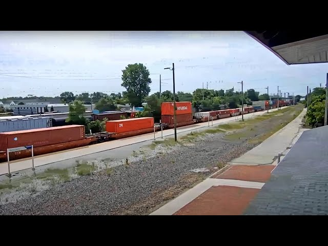 Elkhart, Indiana USA (PTZ cam) | Virtual Railfan LIVE