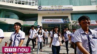 Sinh viên Đại học phản ứng với quy định về trang phục