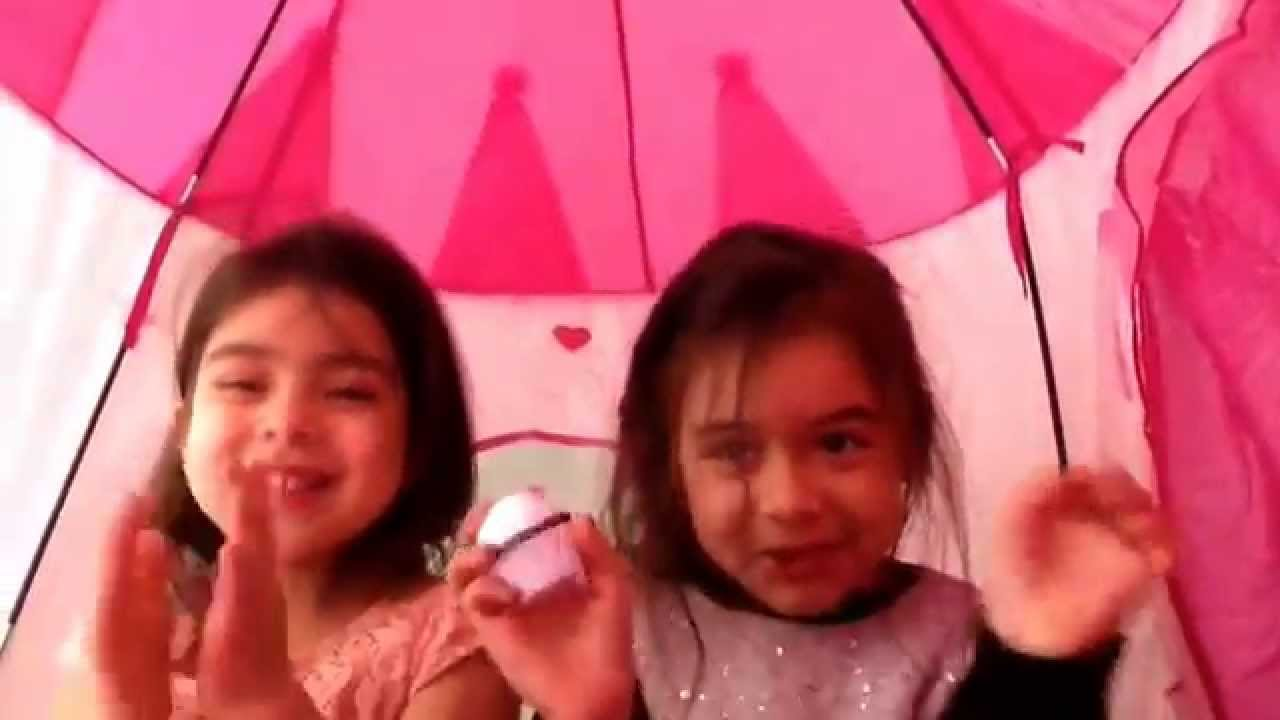 Kids Review on a Kids Pink Castle Indoor Tent  sc 1 st  YouTube & Kids Review on a Kids Pink Castle Indoor Tent - YouTube