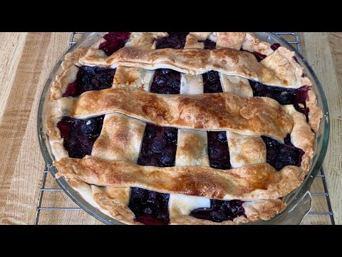 ep.-386:-southern-blueberry-pie- -blueberry-pie-with-fresh-blueberries