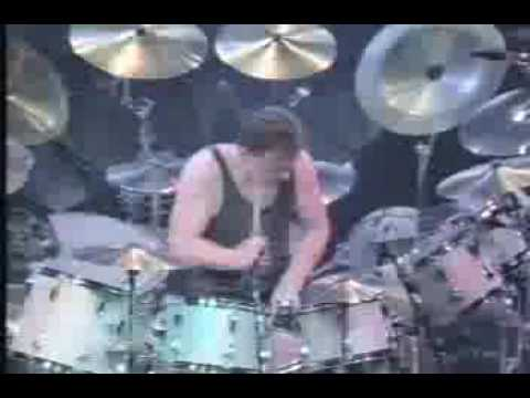 Rush-Neil Peart drum solo LIVE!