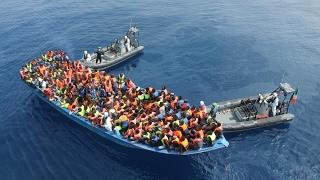 أخبار عالمية - مسؤول إيطالي: هناك صلة بين مهربي #المهاجرين وبعض المنظمات