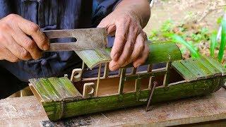 孙子要去河里划大船,爷爷一根竹子造乌篷船,入水一刻超级喜欢