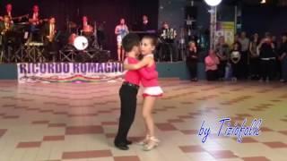 MASCOTTE Mazurka ballata da ENEA e EMMA al CAMAROUN Ozzano E...