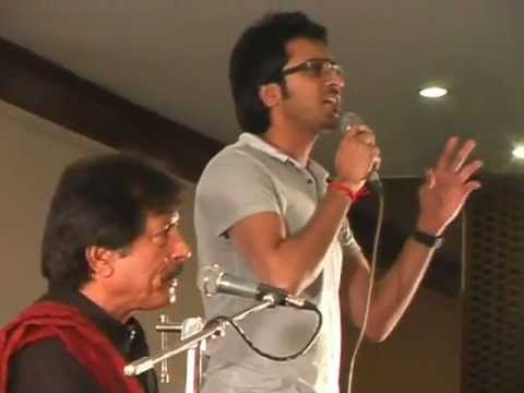 Ataullah Khan & his son Sanwal Atalullah ..Ishq Mean hum at PC Live for Hamid Abbas