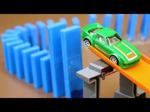 Dominoes vs. Hot Wheels! (w/ RaceGrooves)