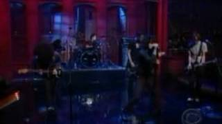 at the drive in david letterman show one armed scissor