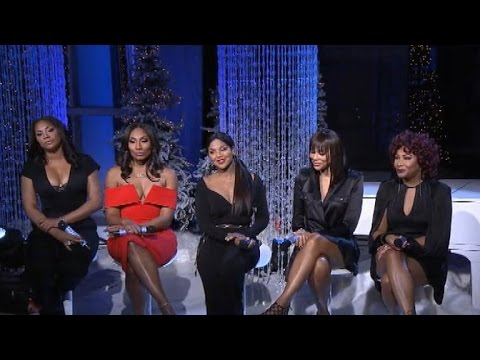 The Braxton Family Performs Christmas Carols on 'The Real' - YouTube
