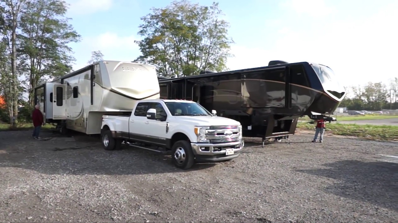 Luxe Elite Luxury fifth wheel owners the Brooks - 5th wheel camper