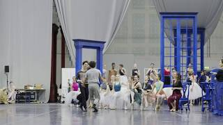 Cinderella: Isaac Hernández in rehearsals | English National Ballet