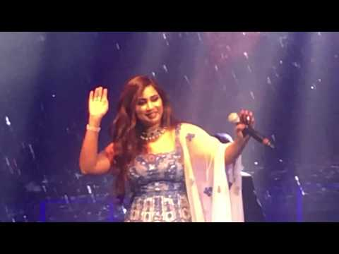 Hello NRI brings to you Shreya Ghoshal in Chicago. Live in C