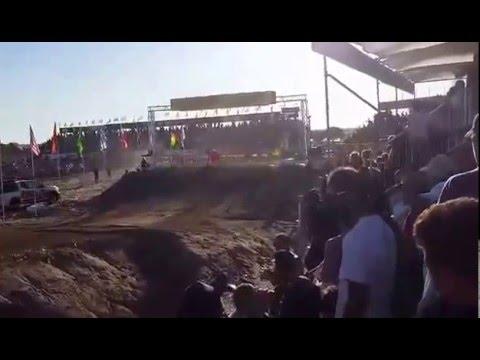 Un cuatriciclo atropelló a un banderillero en plena competencia