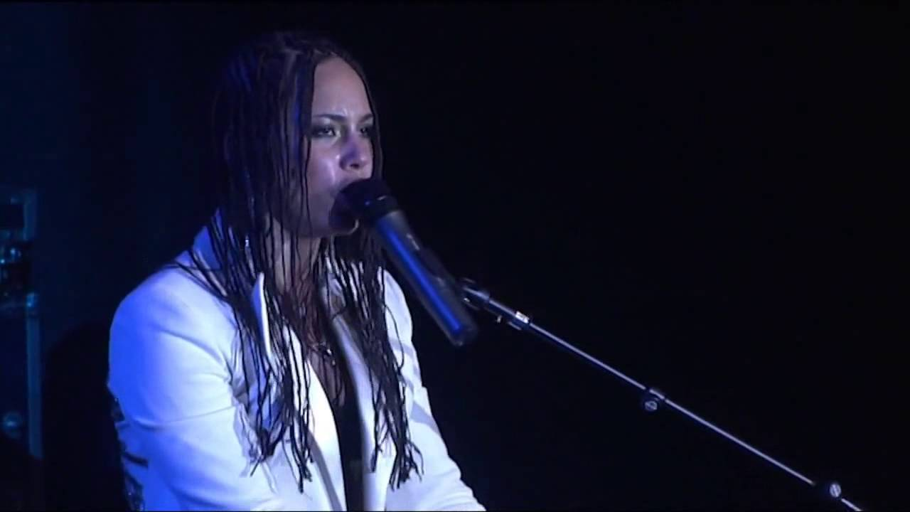 Alicia Keys live North Sea Jazz Festival 2004  The life