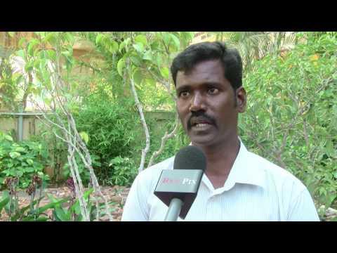 Jallikattu Protest - காவல்துறை எப்படி தன்னை தாக்கியது - மெரினா போராட்டத்தில் அடிவாங்கிய இளைஞர் விளக்கம்  -~-~~-~~~-~~-~- Please watch: