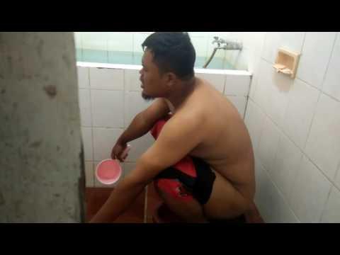 latihan smule di toilet