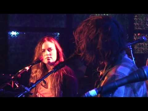 Angus and Julia Stone - Black Crow (live) mp3