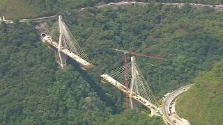 Ten workers killed as bridge in Colombia collapses