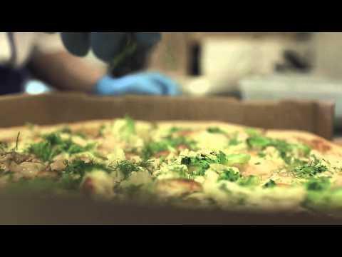 Как сделать очень вкусный бутерброд на завтрак? / Необычный бутерброд за 5 минут!из YouTube · Длительность: 3 мин19 с  · Просмотры: более 40.000 · отправлено: 09.09.2015 · кем отправлено: NeutRon