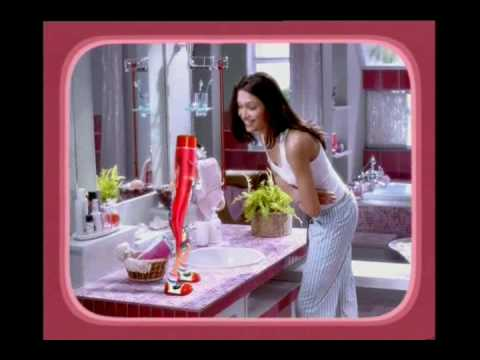 Close-Up Toothpaste Commercial - Dancing Tube