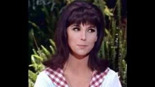 Marlo Thomas ♥ Love Me With All Your Heart - Ray Charles Singers