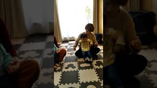 リトルちゃん(1歳児)達のダンス 上手でしょ?可愛いでしょ?