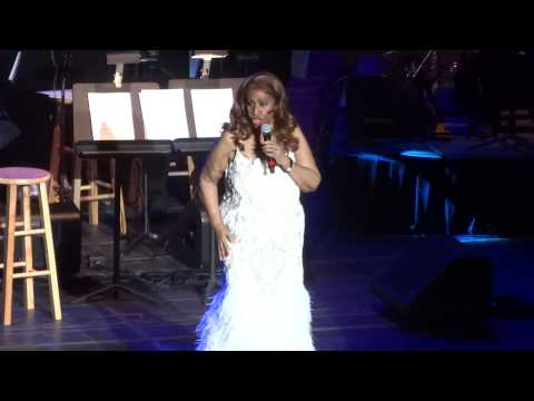 """Don't Play That Song"" Aretha Franklin@Lyric Opera House Baltimore 11/13/14"