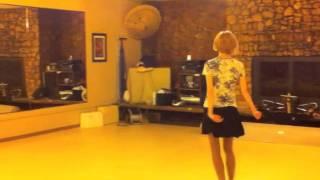 Молдавский танец, элементы