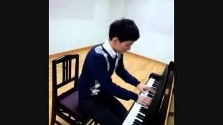 ピアノ:藤本剛.