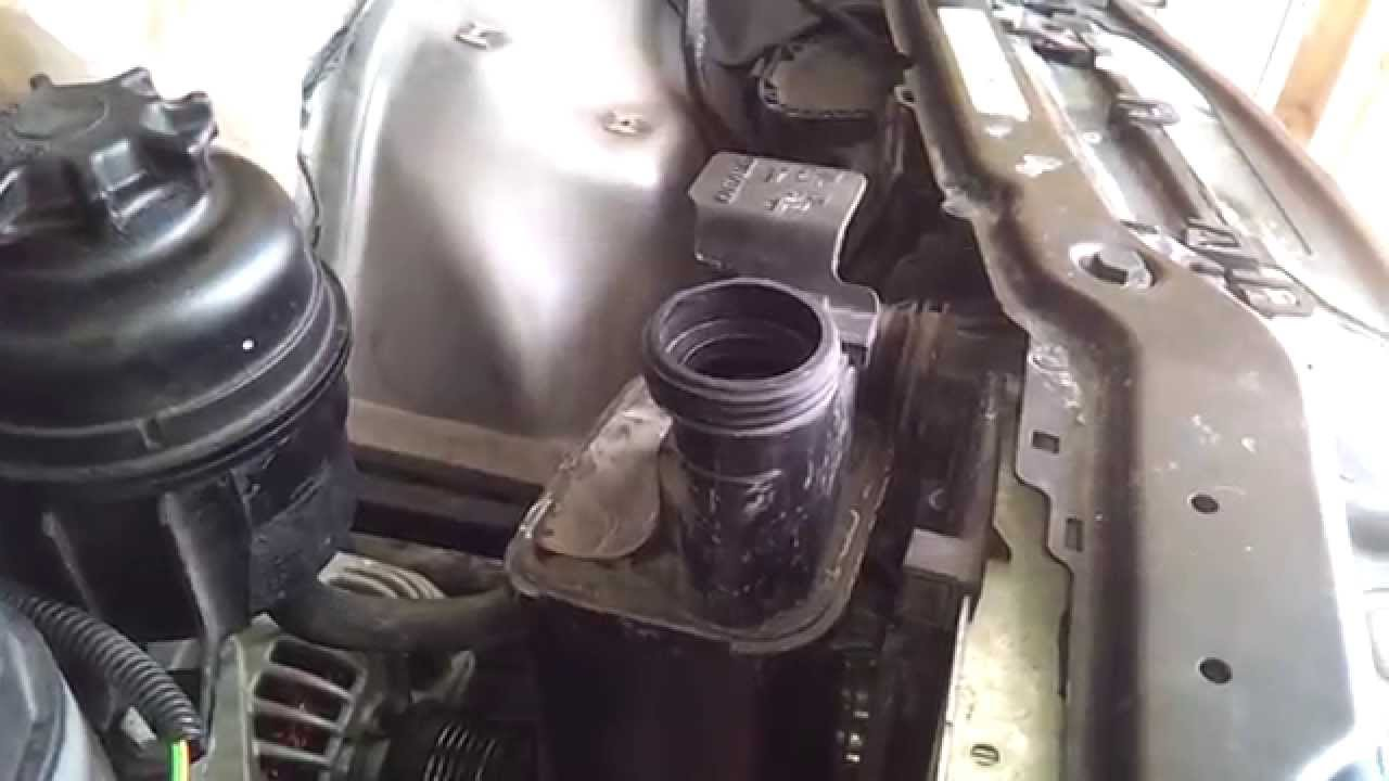 Bmw E46 Remove The Expansion Tank Youtube