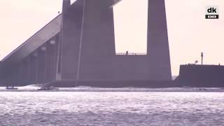 видео Крупнейшая атомная подводная лодка в мире идет через Балтийское море