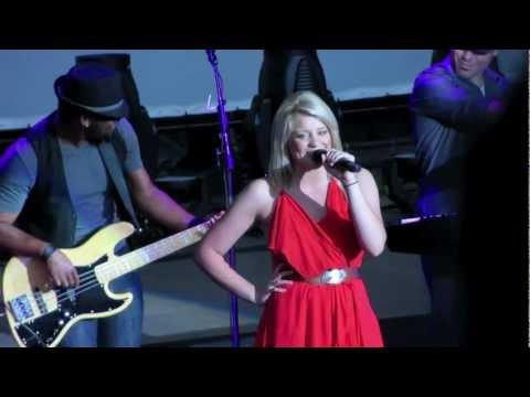 Lauren Alaina Opening for Sugarland (Shoreline - Mountain View)