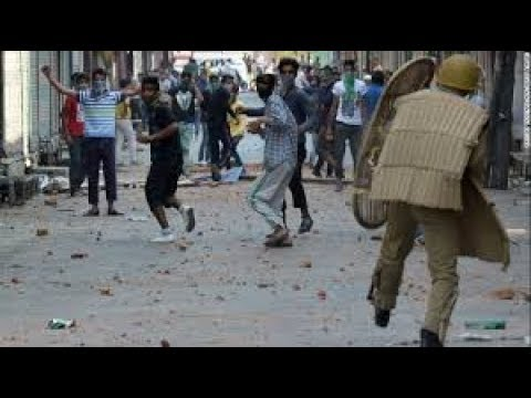 Clashes between Students and government forces erupted in north Kashmir's Baramulla district